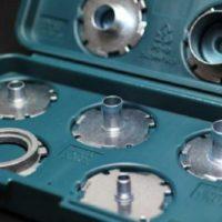 Превращение ручного фрезера в станок по изготовлению крупных партий деталей с помощью копировальной втулки