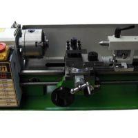 Немецкий токарный станок Procraft VMM800 помещается на столе, выполняет основные операции по обработке металла как большой агрегат